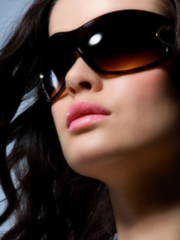 Фото полных девушек в темных очках