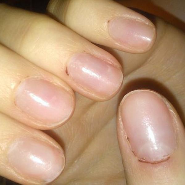 Вот так теперь обрабатывают ногти((