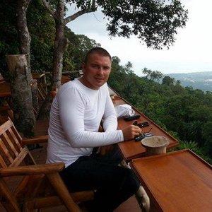Денис Лущинов