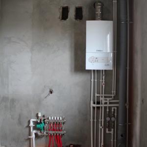 Установка котла отопления и коллектора теплых водяных полов с гарантией 5 лет!