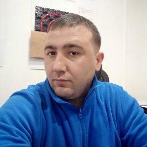 Владимир Сурков