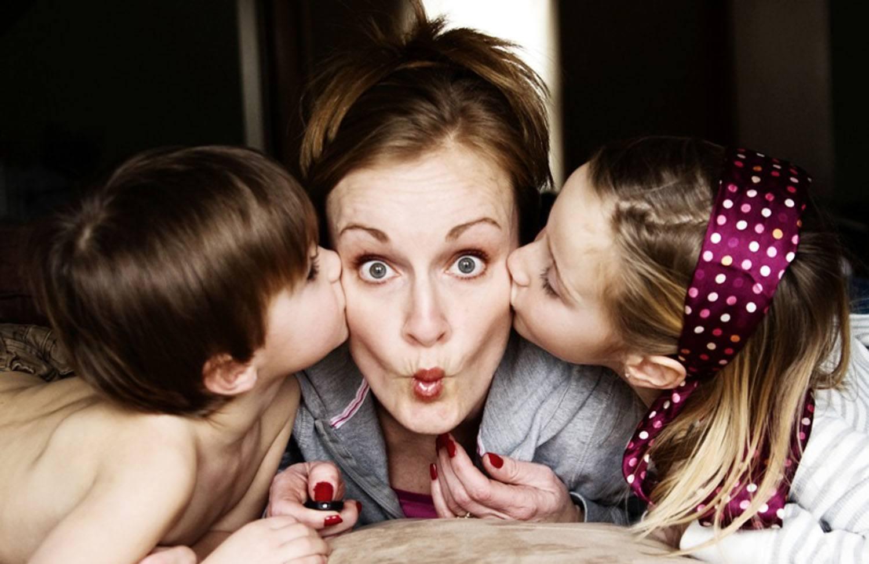 Картинки мам с детьми маленькими смешное