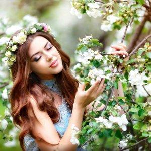 Alena Li