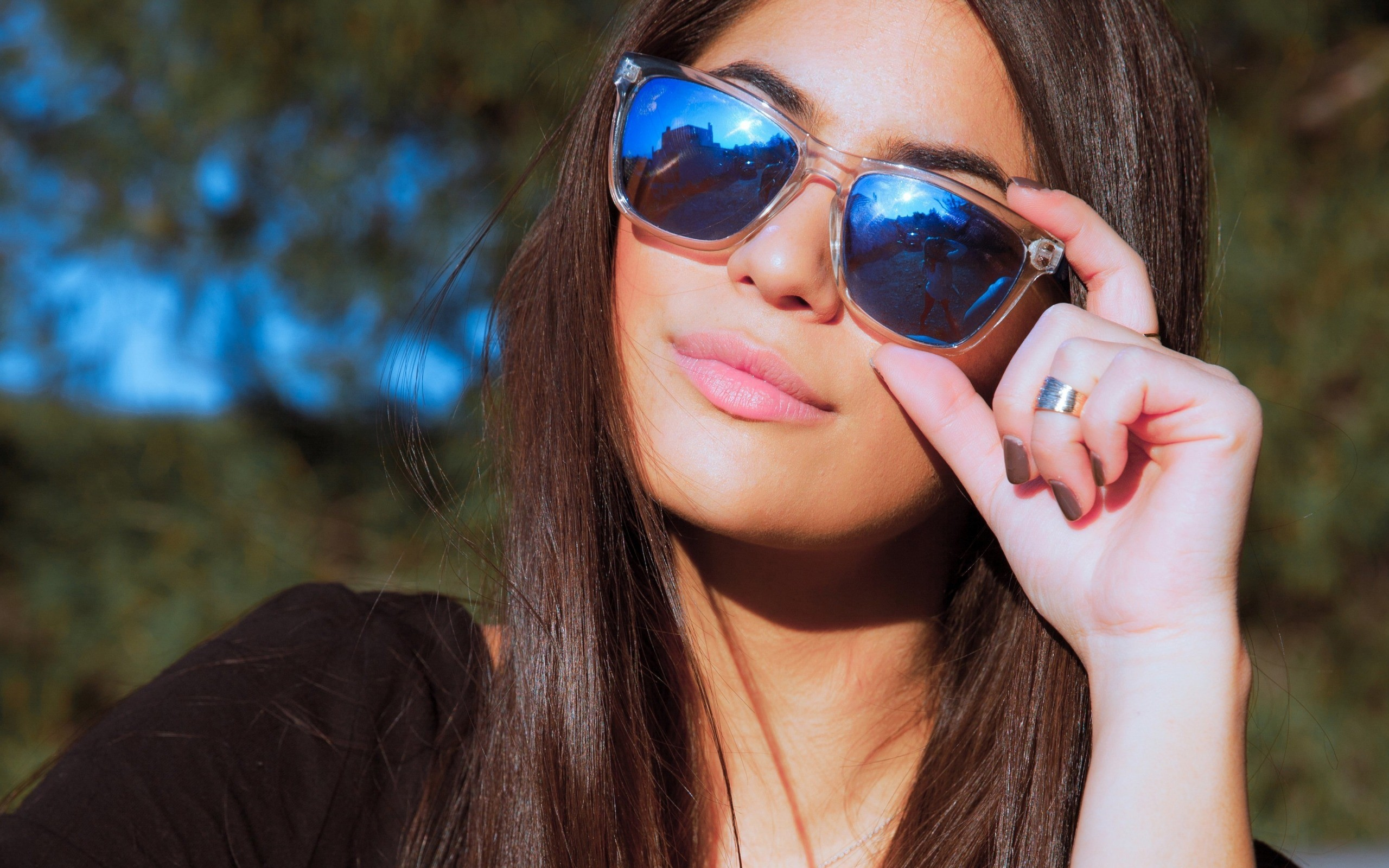 Картинки красивые девочки в очках