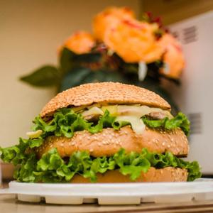 680-ти-грамовый двойной гамбургер «Толстый Йоркер» от «New York»