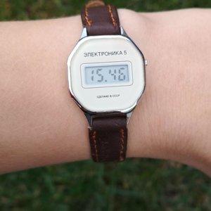 Часов челябинск оценка сапфирами стоимость с часы