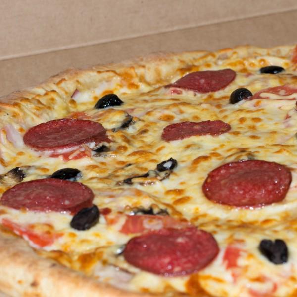"""Пицца """"Sicilia"""" с колбасным бортиком от """"Don Pizza"""""""