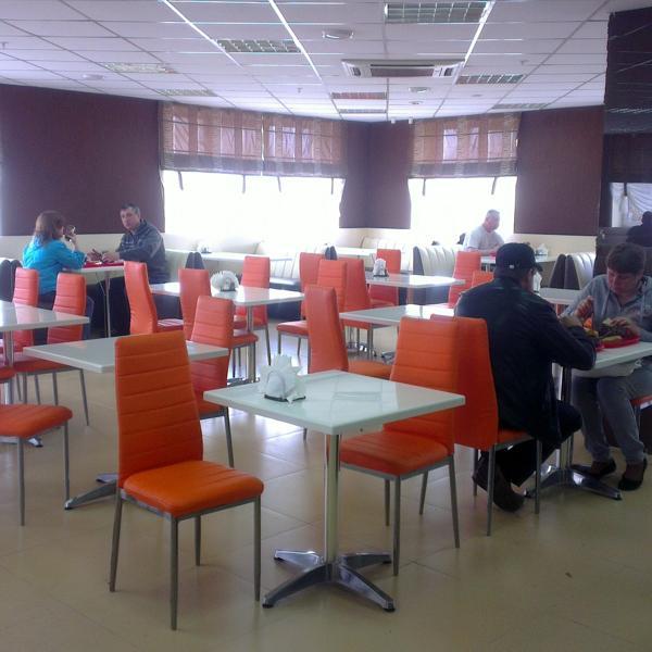 """обеденный зал столовой """"Большая ложка"""" в Братске"""