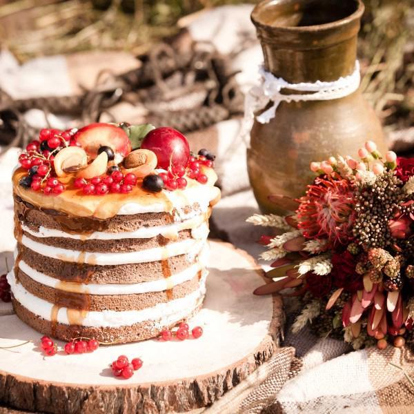 """вкуснейший """"открытый"""" тортик с очень хорошо пропитанными коржиками и свежими ягодками!"""