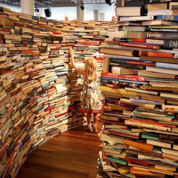 много-много книг!!)