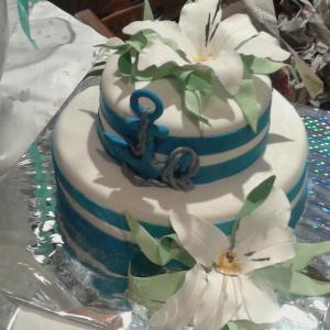 свадьба была в морском стиле, торт был небольшой (4,5 кг) но очень вкусный и нежный
