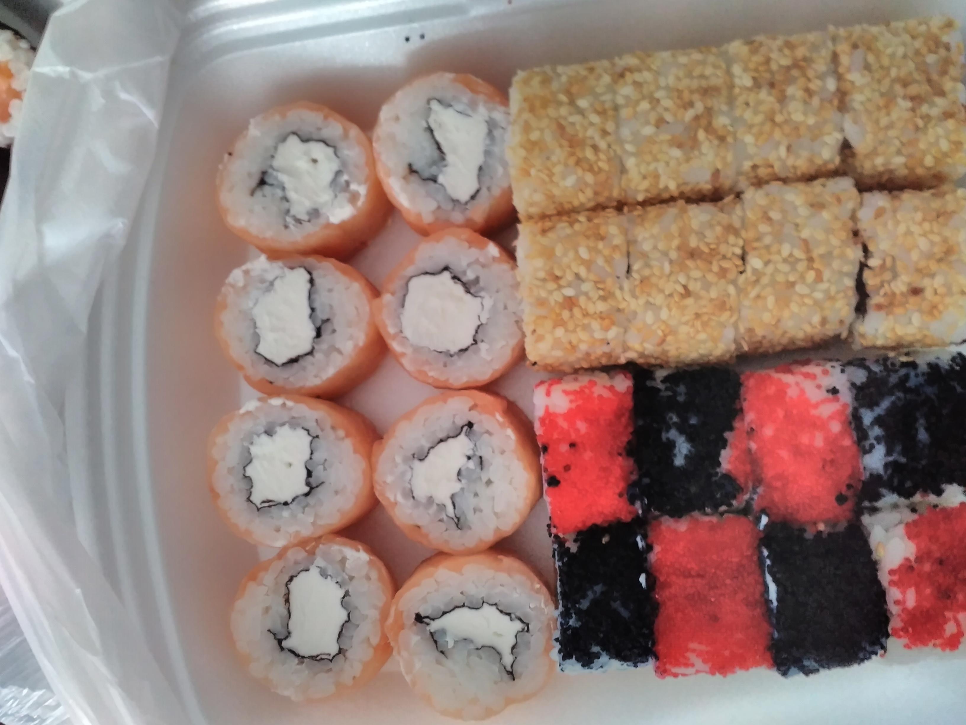 Мы предлагаем богатый выбор японской кухни по приемлемым ценам.