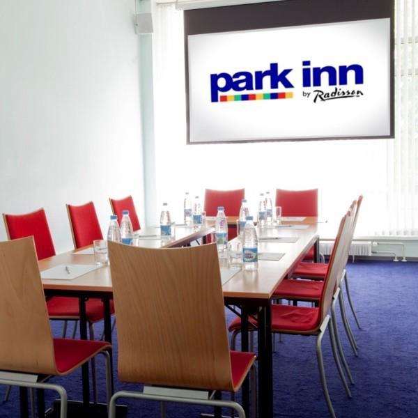 В конференц-залах отеля можно провести мероприятие численности до 90 человек