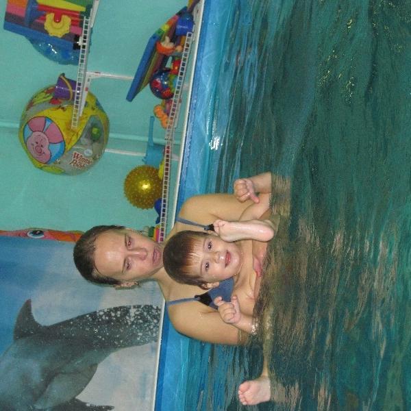 Моя внучка Сонечка на занятии с тренером Катей