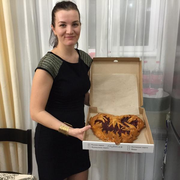 Сладкий пирог с клубникой