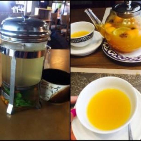 """Слева облепиховый чай """"Соль и перец"""", а справа облепих.чай из другого заведения,так,для сравнения)"""