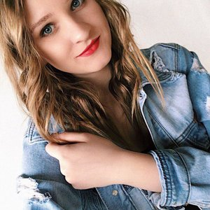 Юлия Лалетина