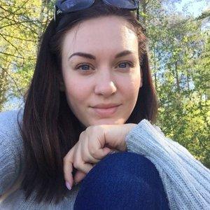 Виола Янголь