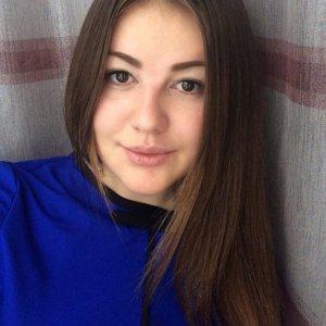 Анна Суханова