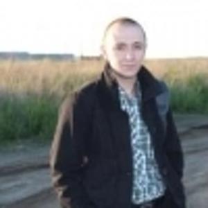 Руслан Шаров