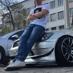 Влад Гузенко
