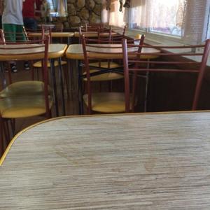 застарелые бурые разводы на столе