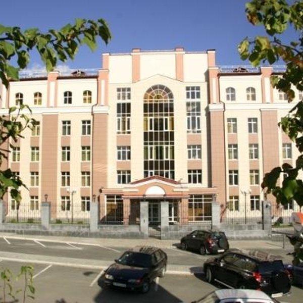 """Европейский медицинский центр """"УГМК- Здоровье""""  Официальное открытие в сентябре 2009 года."""
