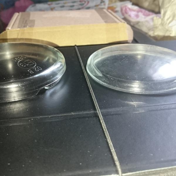 Слева нужное стекло, справа которое не подходит