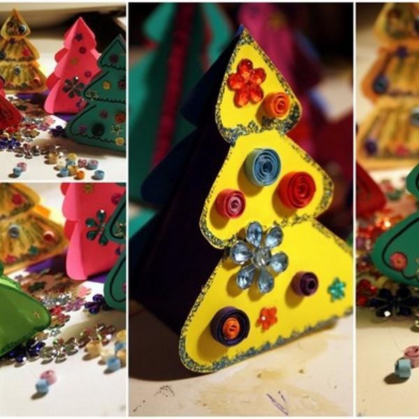 наклейки-звездочки, пластмассовые цветочки разных размеров и бумага для квиллинга - из Маэстрии