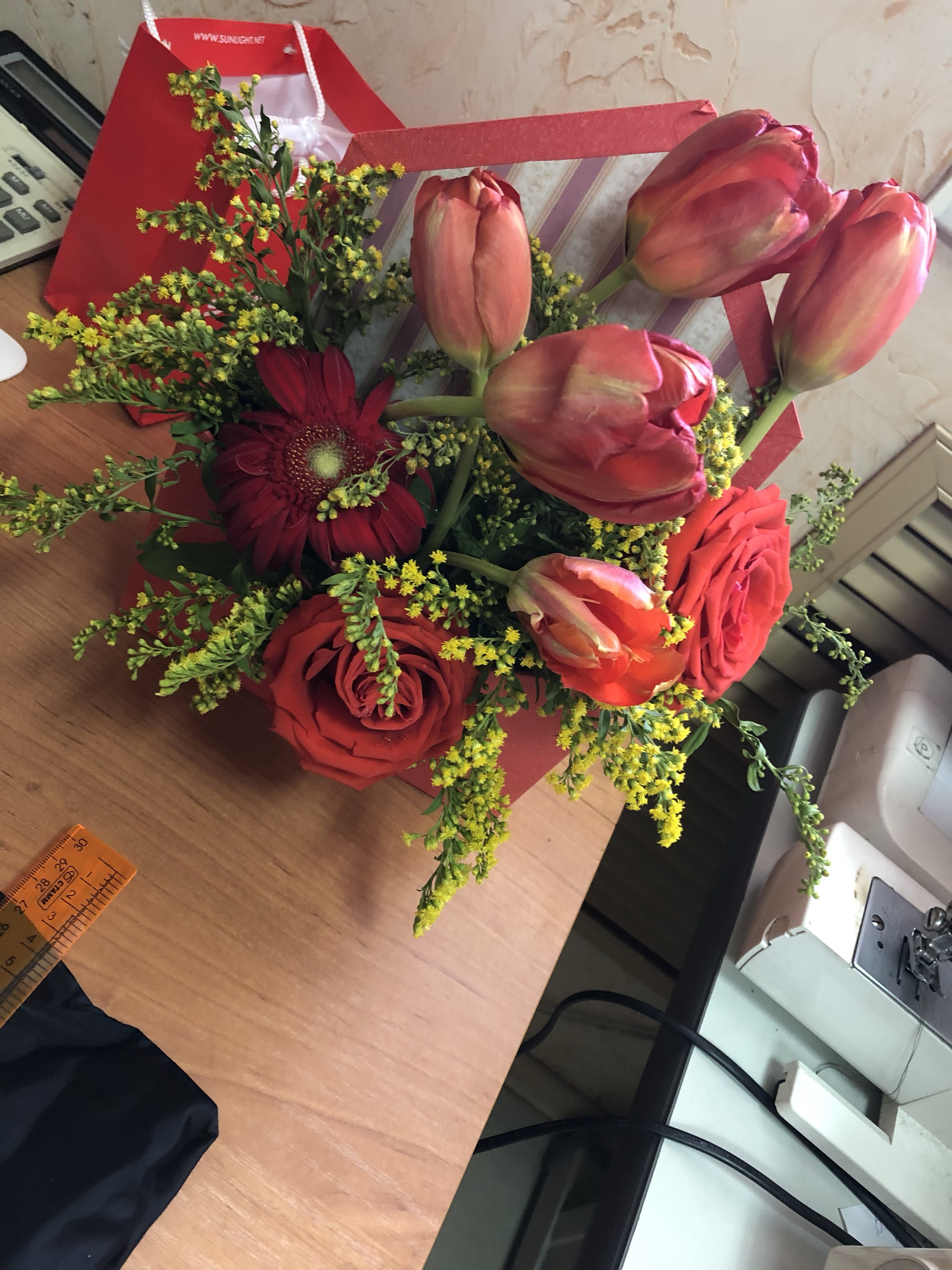 Цветы у яблоньки омск доставка, черная цветок
