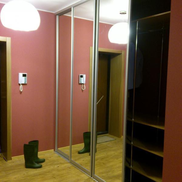Гардеробная от Prostor systems вышла на славу. 4 двери, одна открыта для наглядности.