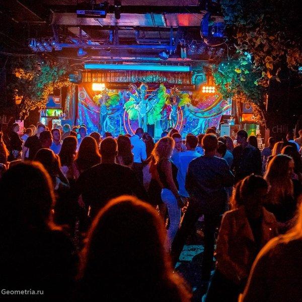 Ночные клубы в екатеринбурге отзывы клуб облака лесосибирск ночной