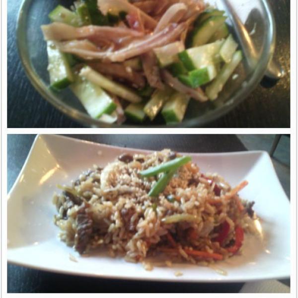 этот салат имеет идеальное вкусовое сочетание! ммм!!! рис божественный, что уж говорить...