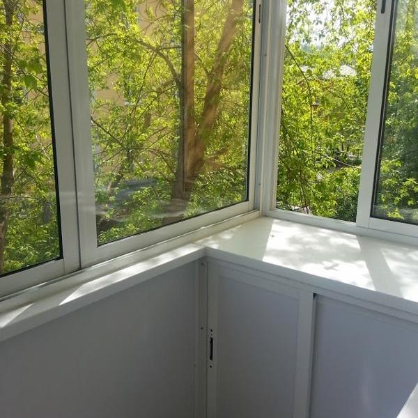Оба балкона одинаковые - вот так стало уютно:)