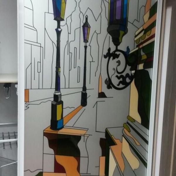 Двери раздвижные с технологией цветной заливной витраж