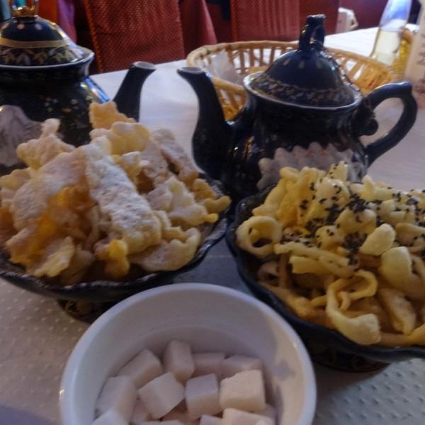 Хворост и чак-чак с парой чайничков чая, что ещё надо в дождливый питерский день?