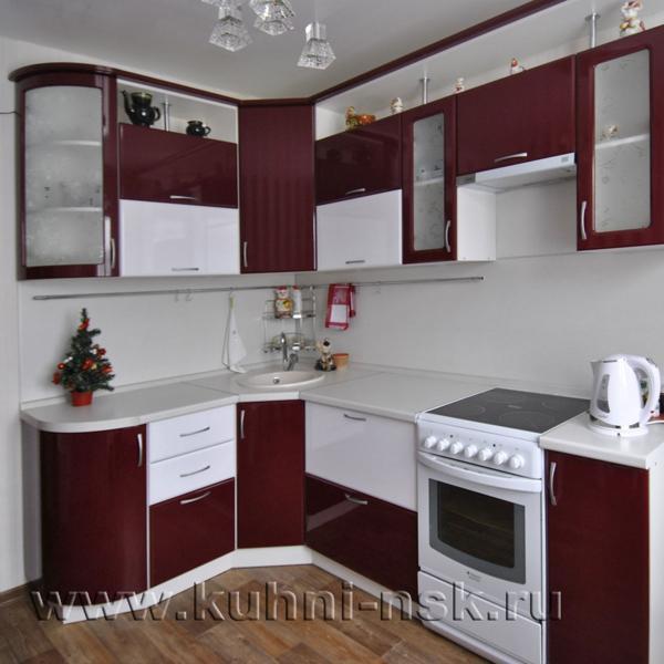 Размер кухонного гарнитура: 1520х2300 мм Стоимость мебели: 52 885 руб