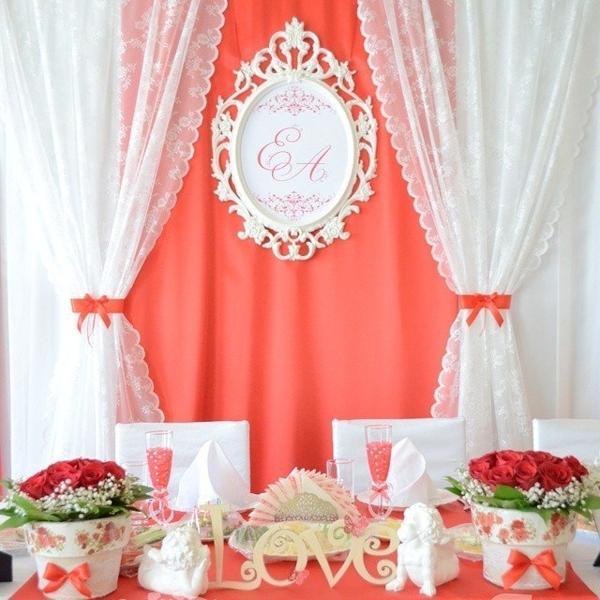 свадьбы была в красных тонах)))))