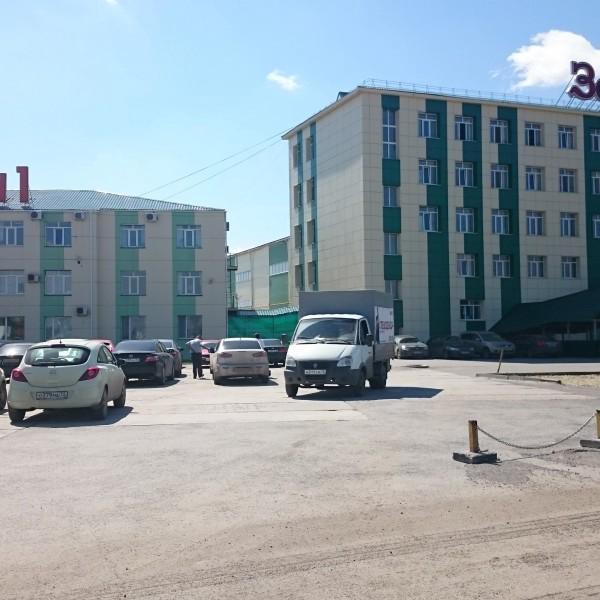 Думал, что не найду, нашел это офисное здание №7 по странному адресу Ялуторовский тракт 11 км.