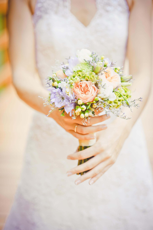 Свадебный букет для миниатюрной невесты