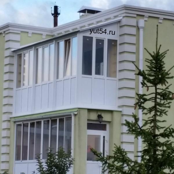 Балкон в березках