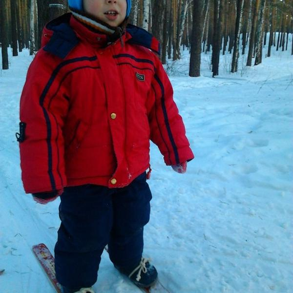 Наш юный лыжник!:)
