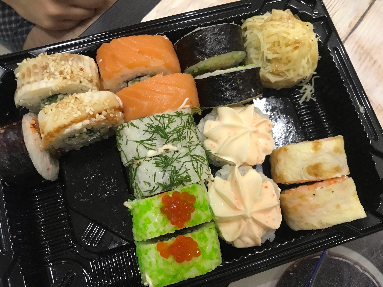 фото суши из магазина верхнем фото видно