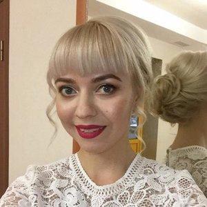 Эллина Толстова
