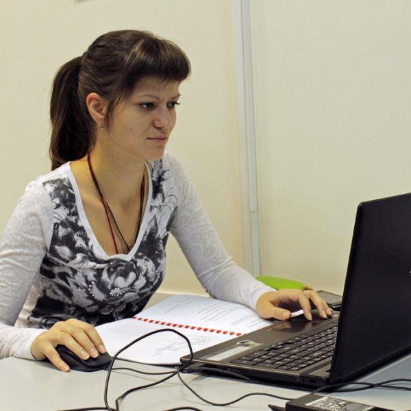 Аудитории оснащены современной компьютерной техникой.