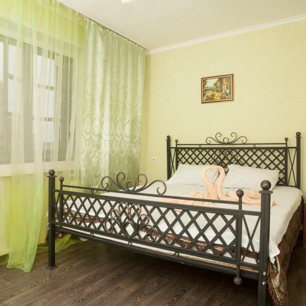 Отличная 2-х комнатная квартира с джакузи в районе ВанкорНефть и МВДЦ Сибирь.
