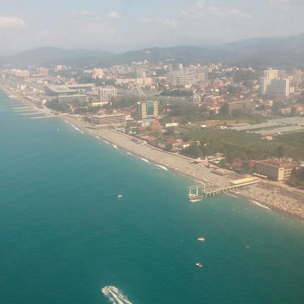 Вид на Сочи из самолета