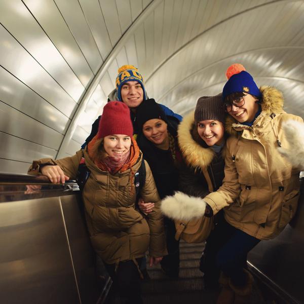 Возвращаемся со съёмки в метро