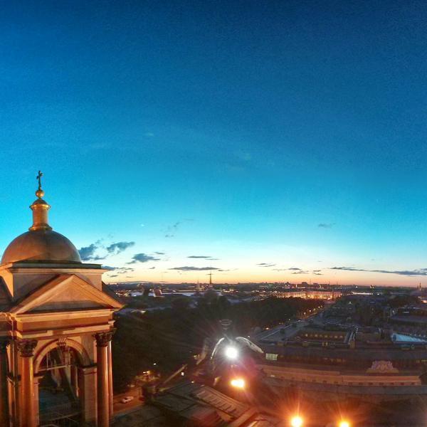 Вид с колонады Исаакиевского собора в белые ночи (3-4 часа утра)