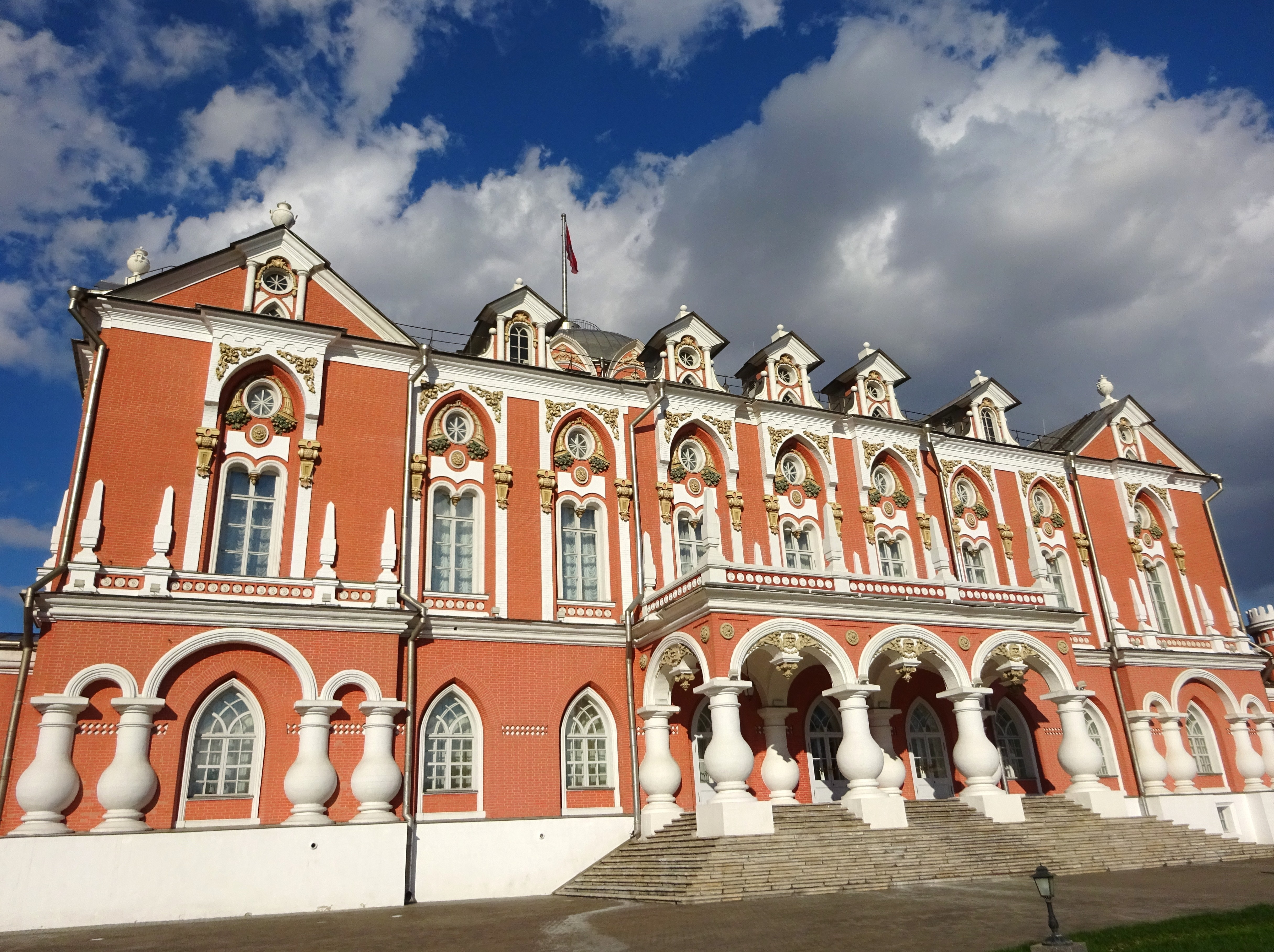 дворцы москвы фото человека только дом